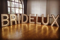 bridelux-giant-illuminated-letters-bridal-show-wedaway-1351x899
